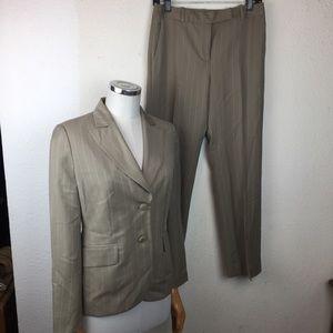 Ann Taylor Loft Petit 2pc Suit Sz 4P